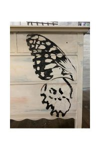 Hand-painted butterfly. How to hand paint a butterfly. Easy butterfly painting for beginners. How to draw and paint a butterfly. Butterfly drawings. Butterfly art.