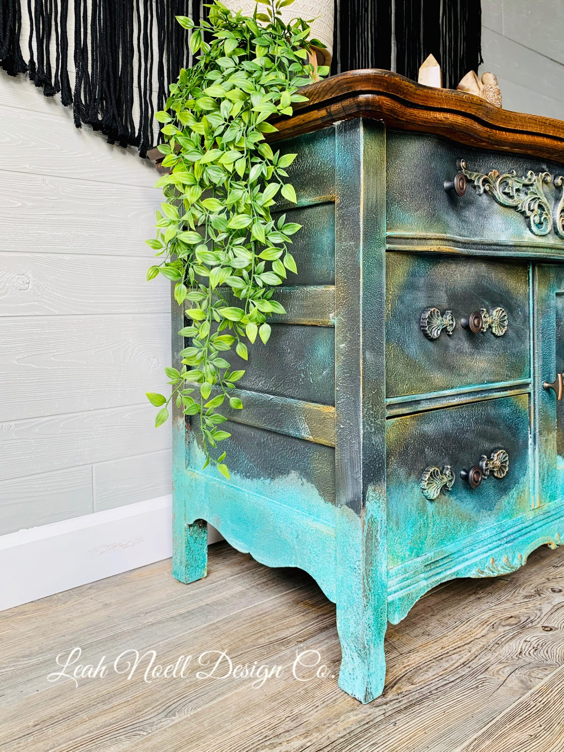 How to dry brush furniture