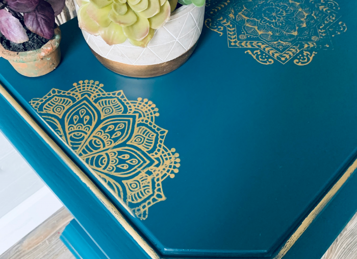 How to use a Silk Screen Stencil and Gilding Waxes